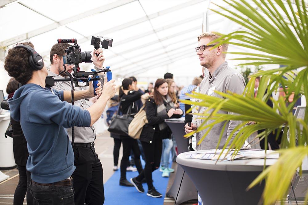 vierlaufende videoproduktion filmdreh mit der wuema | Foto: www.danielahuetter-photodesign.com